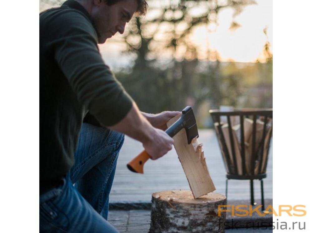Набор Fiskars Топор X10 + Универсальный нож с точилкой